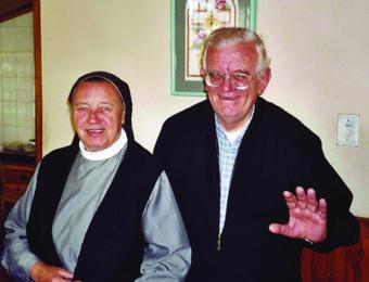 Madre Sigmunda y Padre Carollo