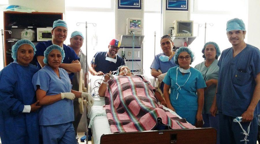 Equipo quirúrgico de la primera cirugía bariátrica del Hospital Padre Carollo