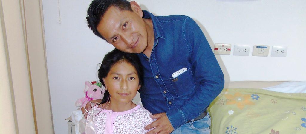 Brigada médica de cirugía plástica reconstruyó orejas de 55 niños...