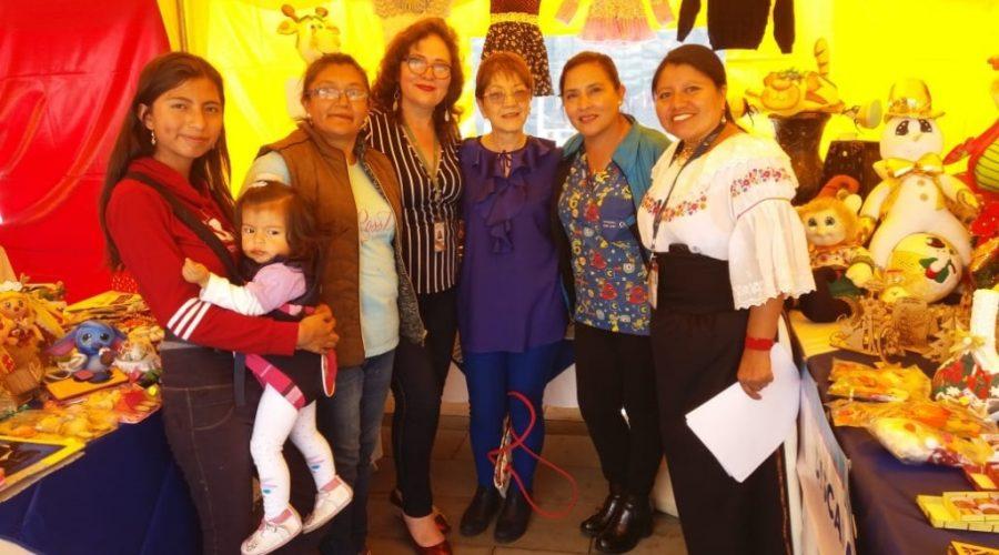 Personas con discapacidad de Fundación Tierra Nueva presentan sus artesanías en Plataforma Gubernamental norte